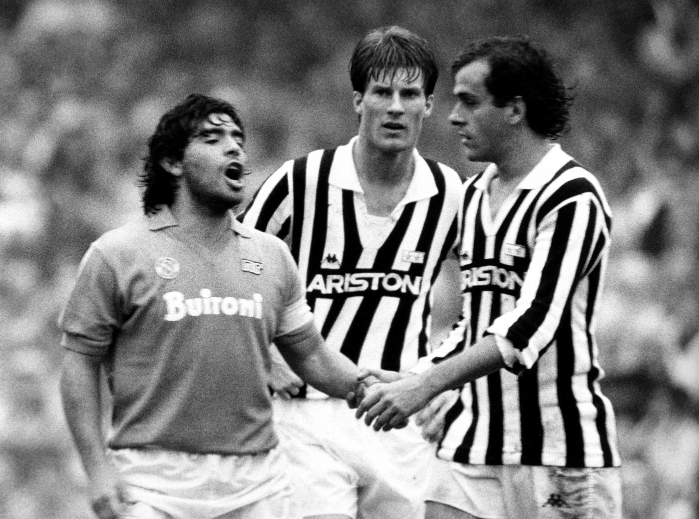 Maradona e Platini tra i migliori tiratori di punizioni della Serie A