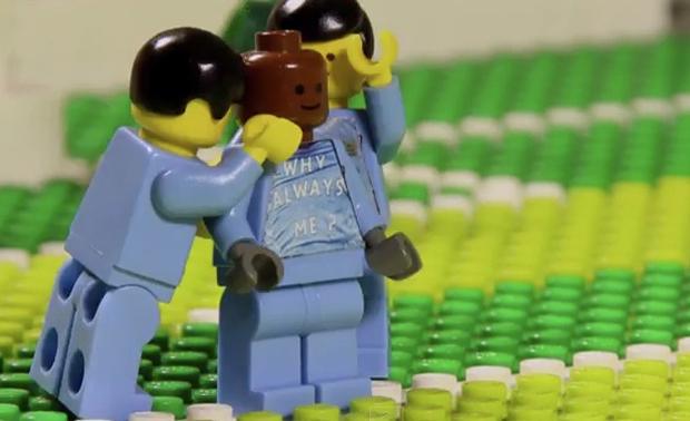 I momenti migliori del derby di Manchester riprodotti con il LEGO