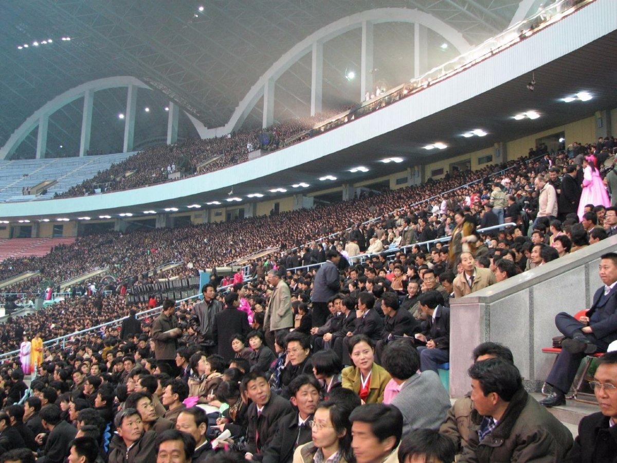may-day-stadium-2