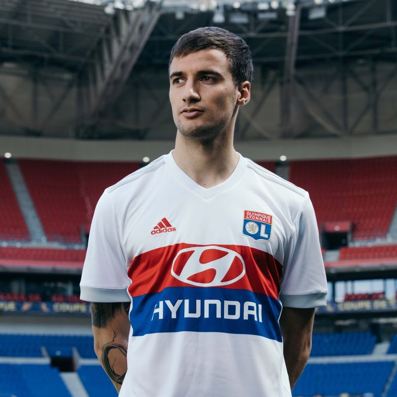I kit adidas 2017/18 dell'Olympique Lyonnais