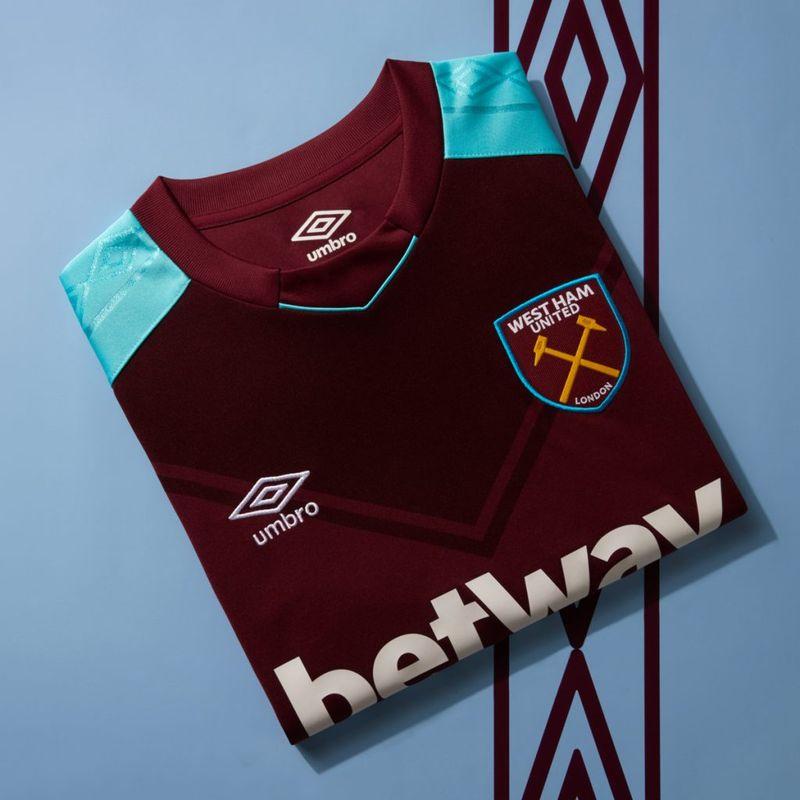 La maglia Umbro 2017/18 del West Ham