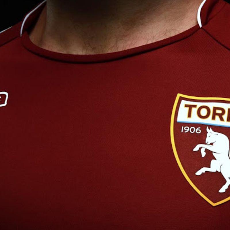 La maglia home Kombat™ 2018 del Torino