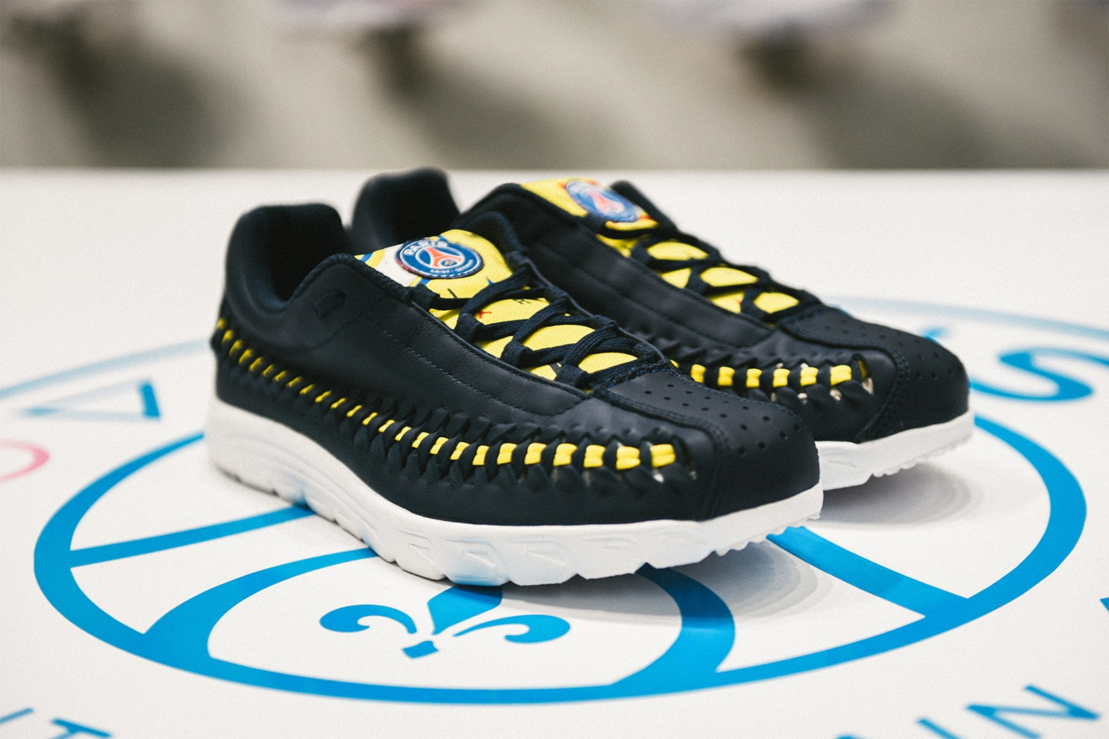 shoe-gallery-paris-saint-germain-nike-mayfly-woven-2