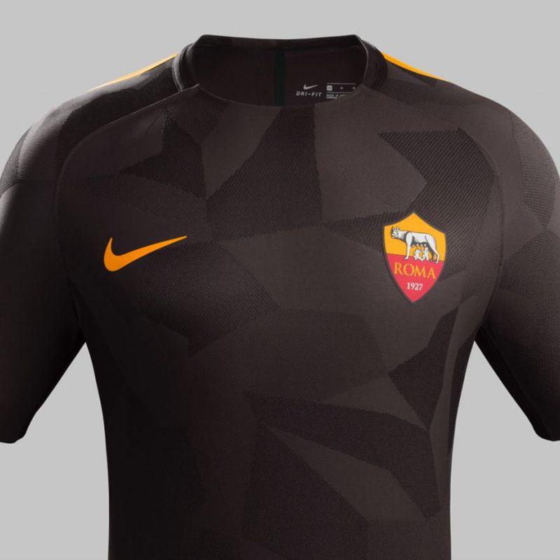 Il terzo kit Nike 2017/18 della Roma