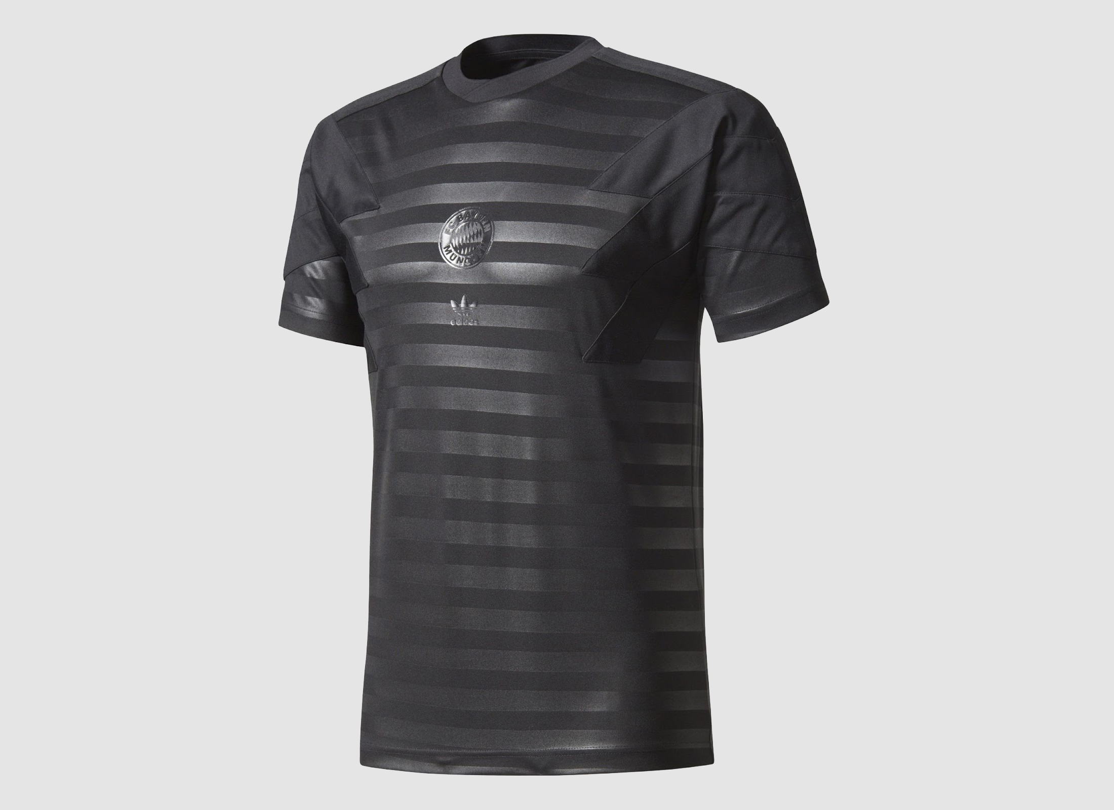 two-adidas-originals-bayern-munchen-2017-18-jerseys (11)