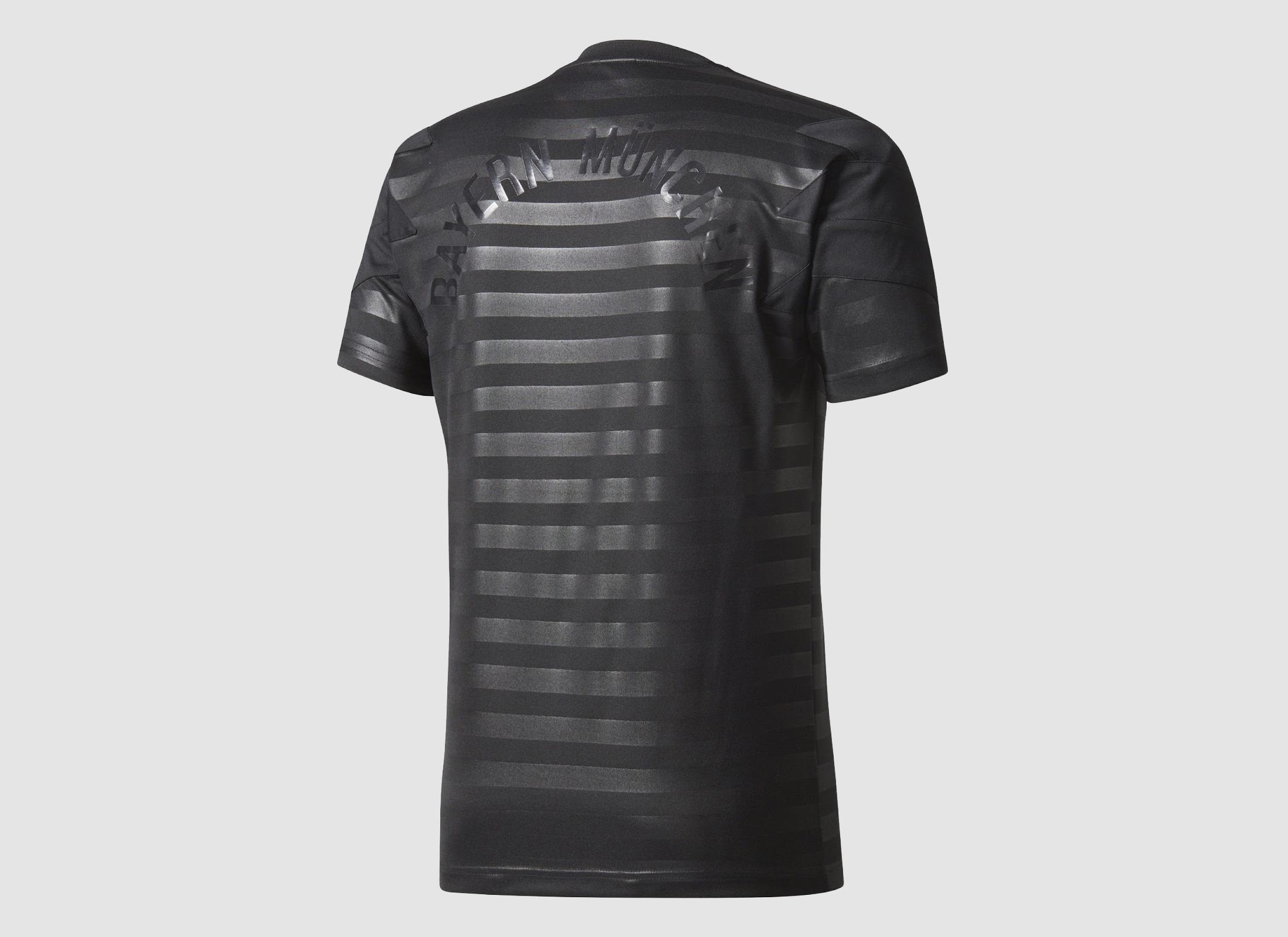 two-adidas-originals-bayern-munchen-2017-18-jerseys (12)