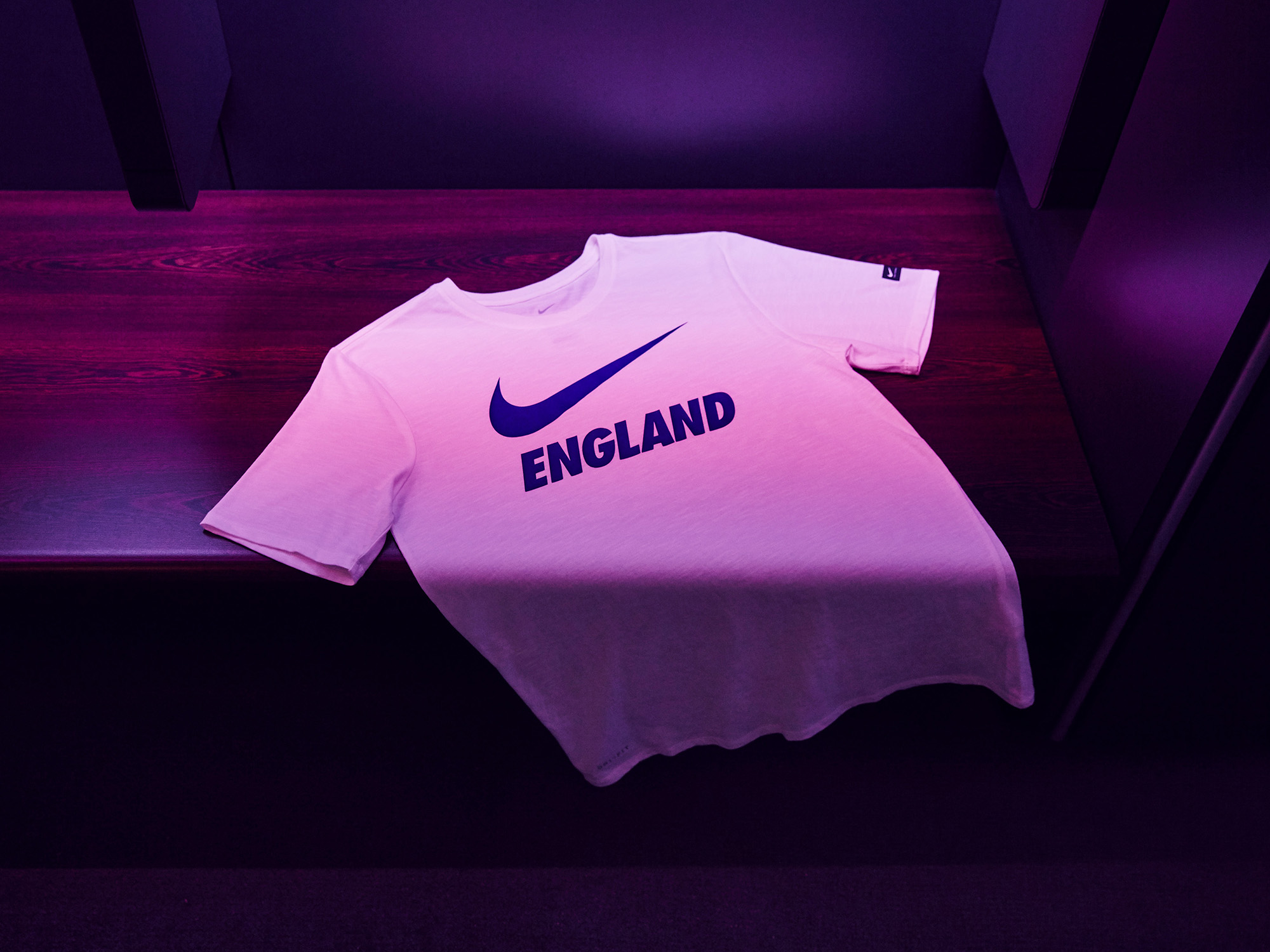 Nike-News-Football-Soccer-England-National-Team-Kit-14_77385