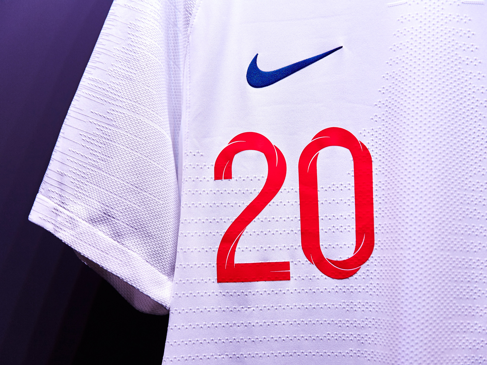 Nike-News-Football-Soccer-England-National-Team-Kit-4_77378