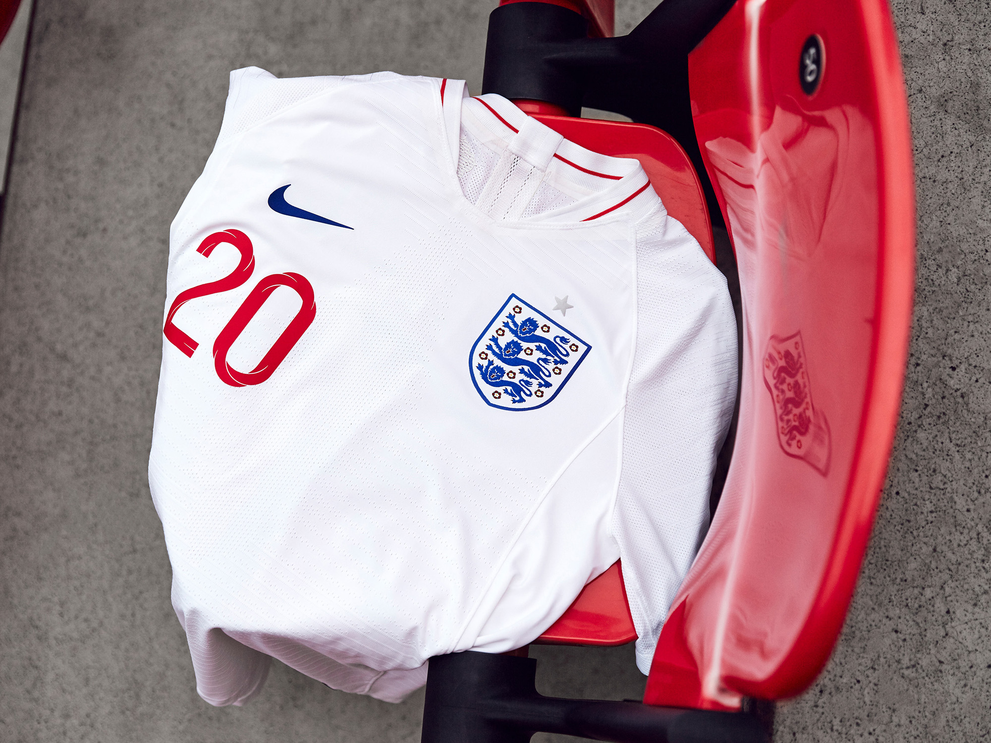 Nike-News-Football-Soccer-England-National-Team-Kit-9_77380