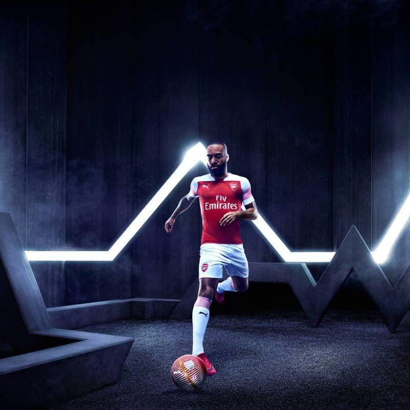 Il kit PUMA 2018/19 dell'Arsenal