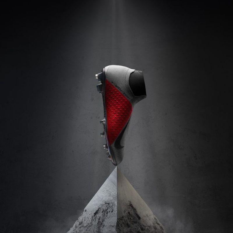 Nike lancia un nuovo silo: PhantomVSN