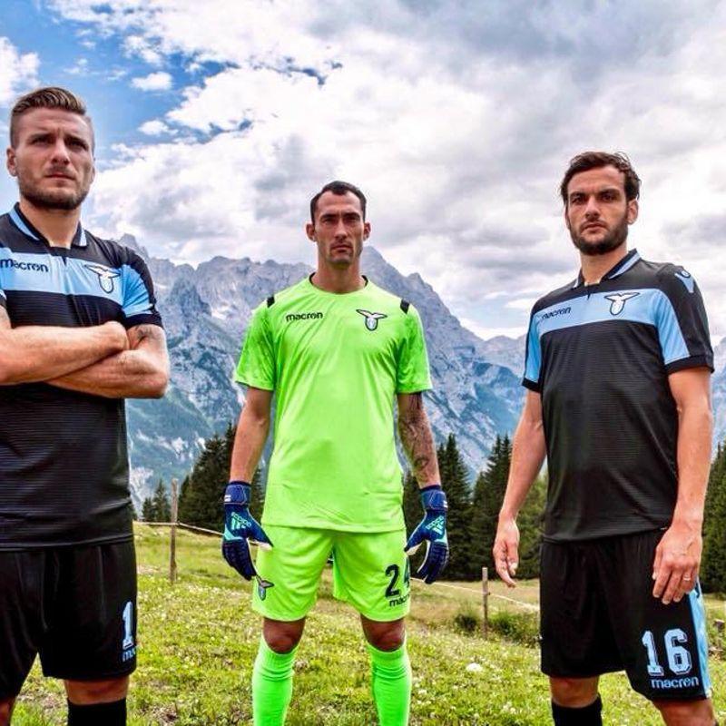 I kit away e terzo Macron 2018/19 della Lazio
