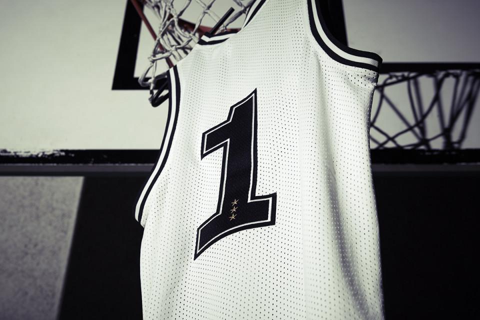 juventus-adidas-basketball-jersey-10-960x640