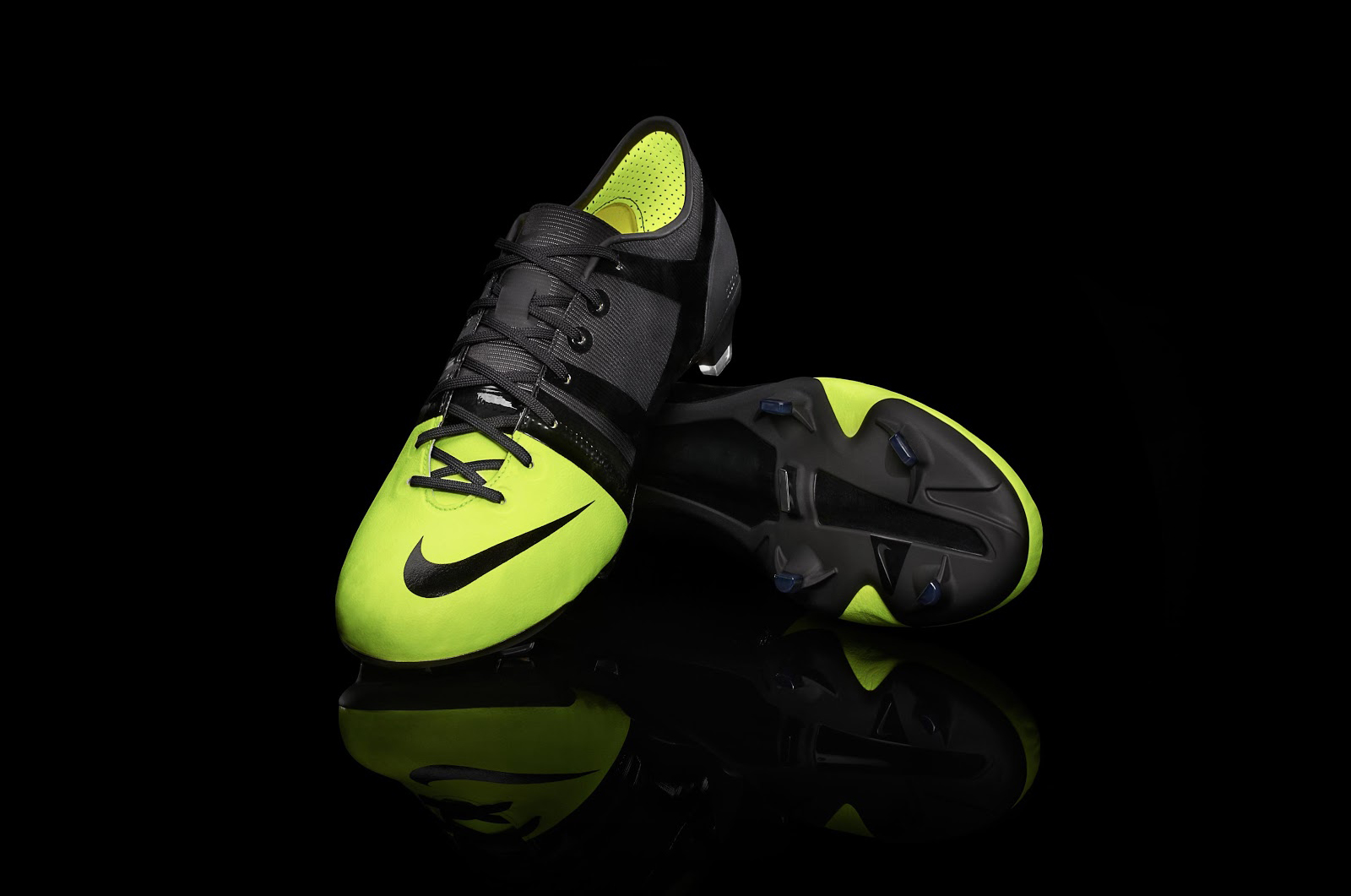 remake-boots-leaked-nike-gs-2012-football-boots-closer-look (3)