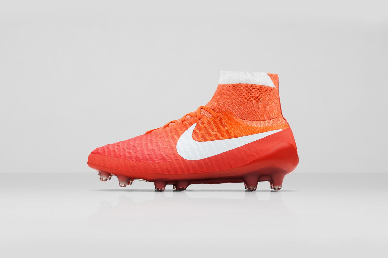 Nike_SU16_wmns_MagObraFG_616_LAT_copy_53914