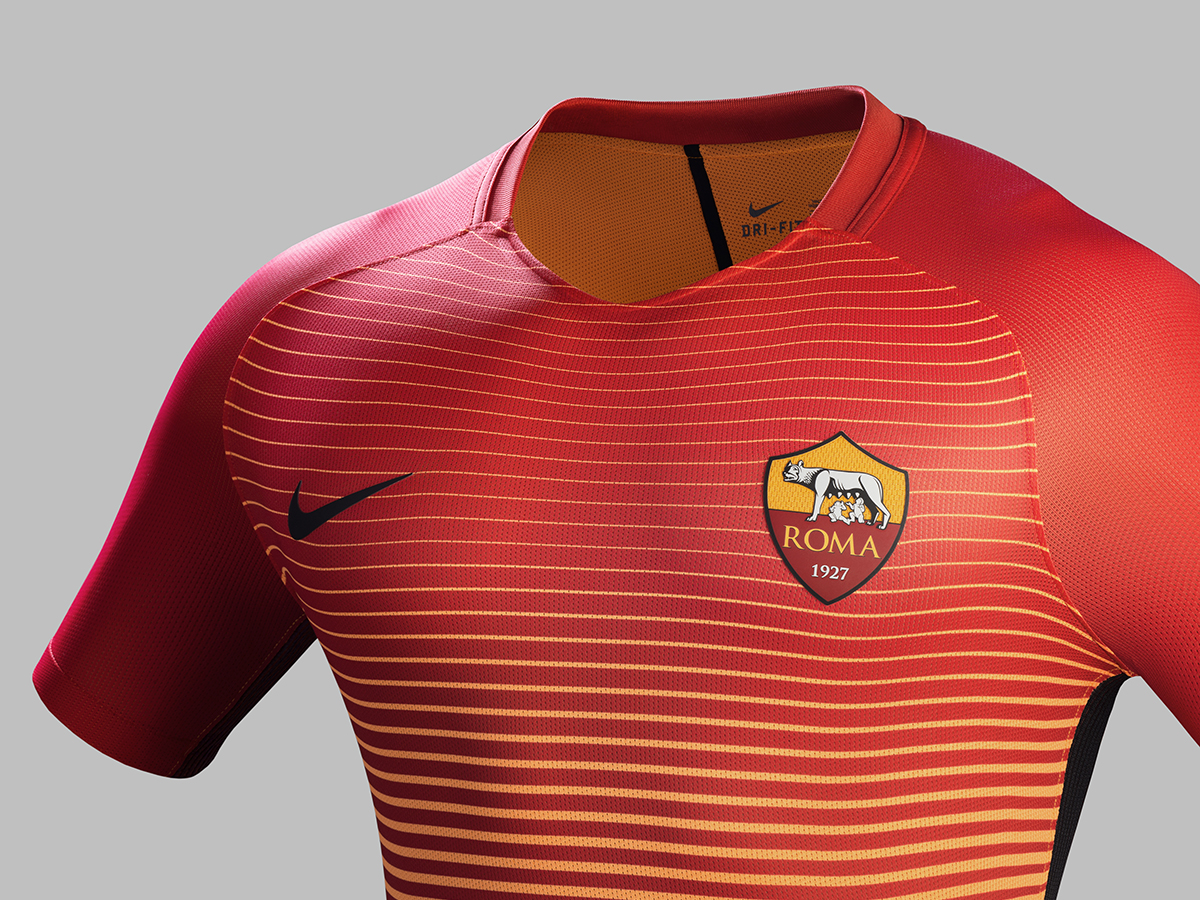 Fa16_CK_Comms_3RD_Crest_Match_AS_Roma_R_61977