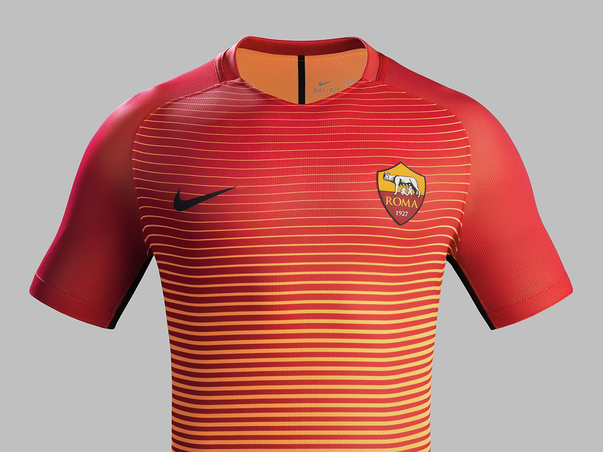 Fa16_CK_Comms_3RD_Front_Match_AS_Roma_R_61976
