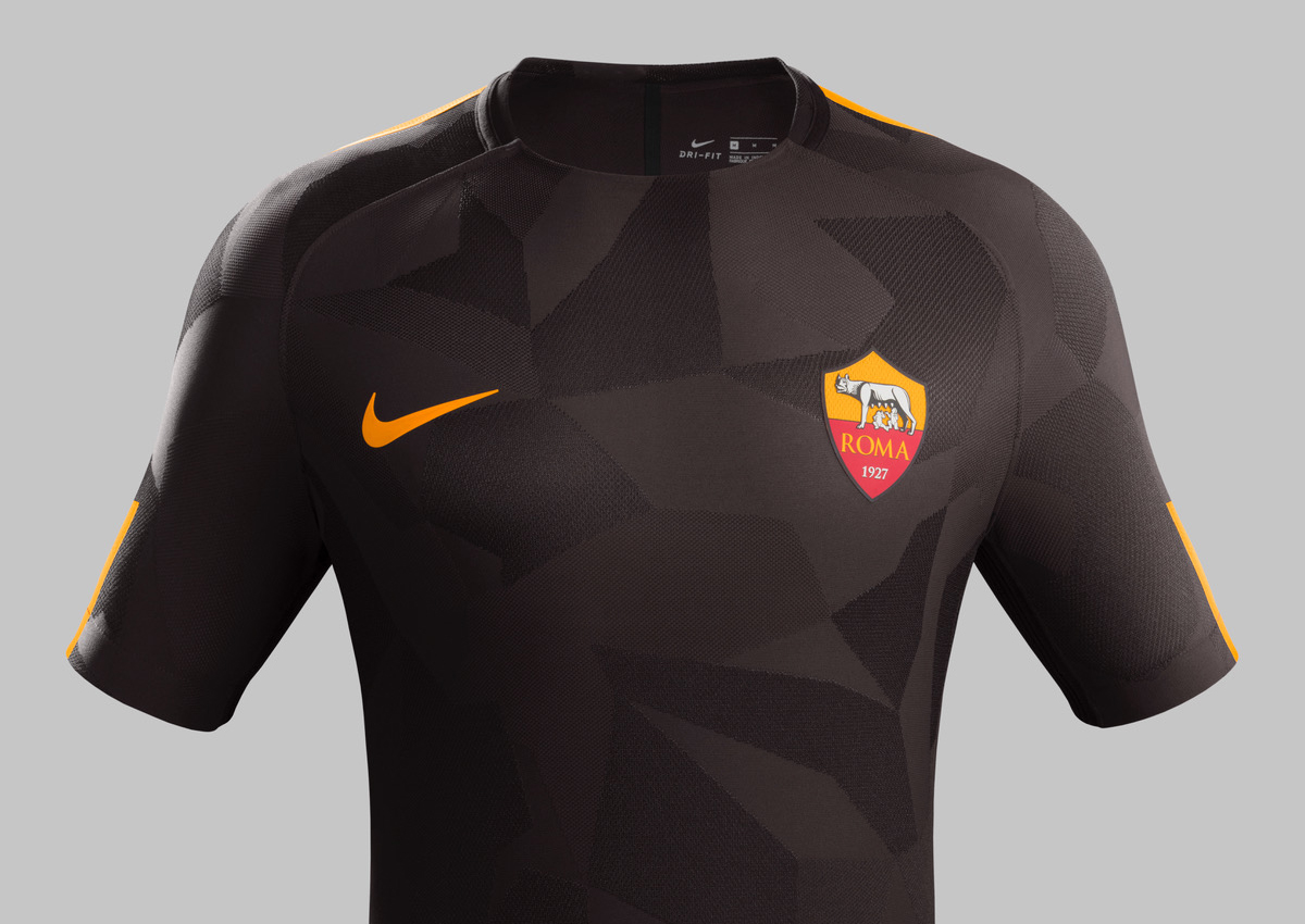 Fy17-18_Club Kits_3rd_Front_AS Roma_R