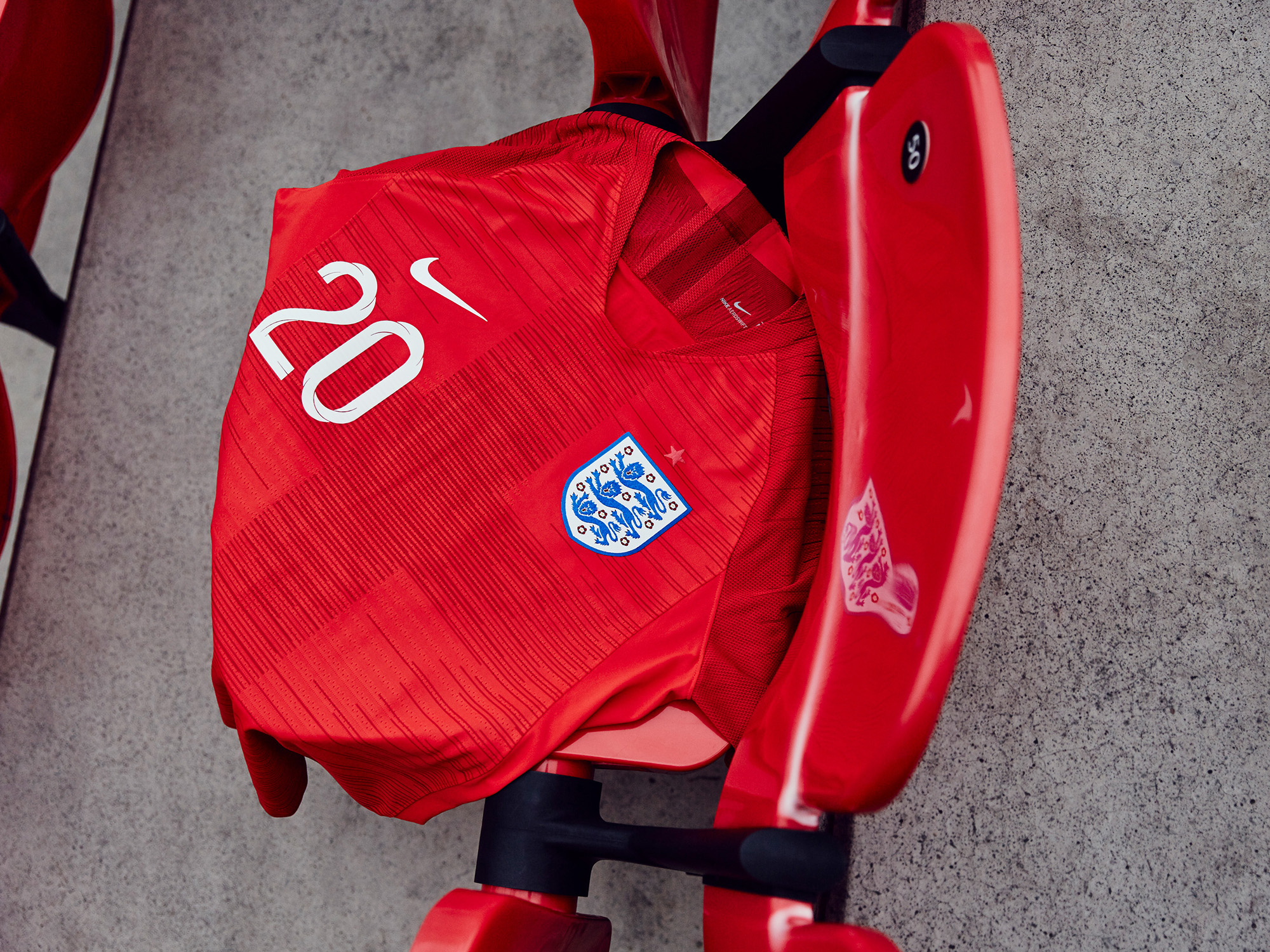Nike-News-Football-Soccer-England-National-Team-Kit-11_77384