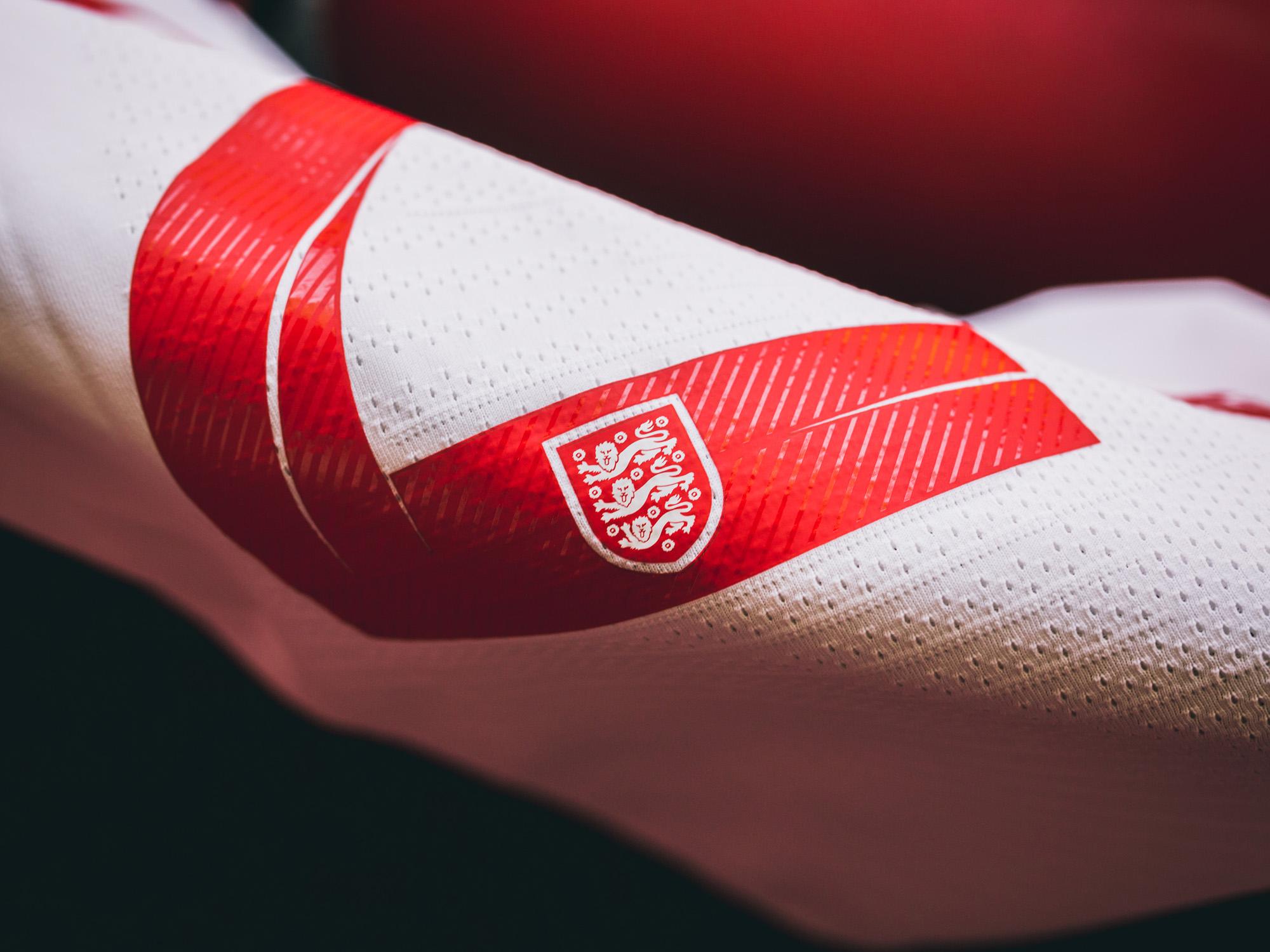 Nike-News-Football-Soccer-England-National-Team-Kit-1_77376