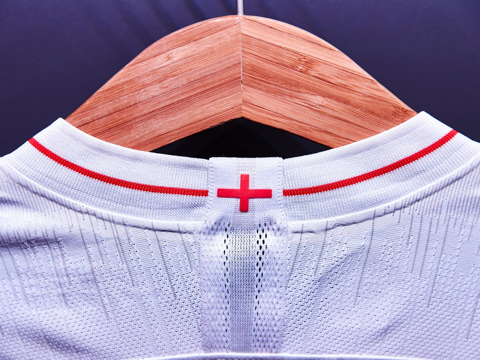 Nike-News-Football-Soccer-England-National-Team-Kit-5_77382