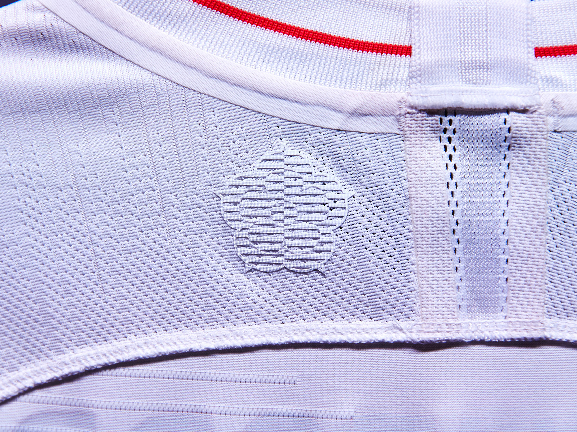 Nike-News-Football-Soccer-England-National-Team-Kit-6_77381