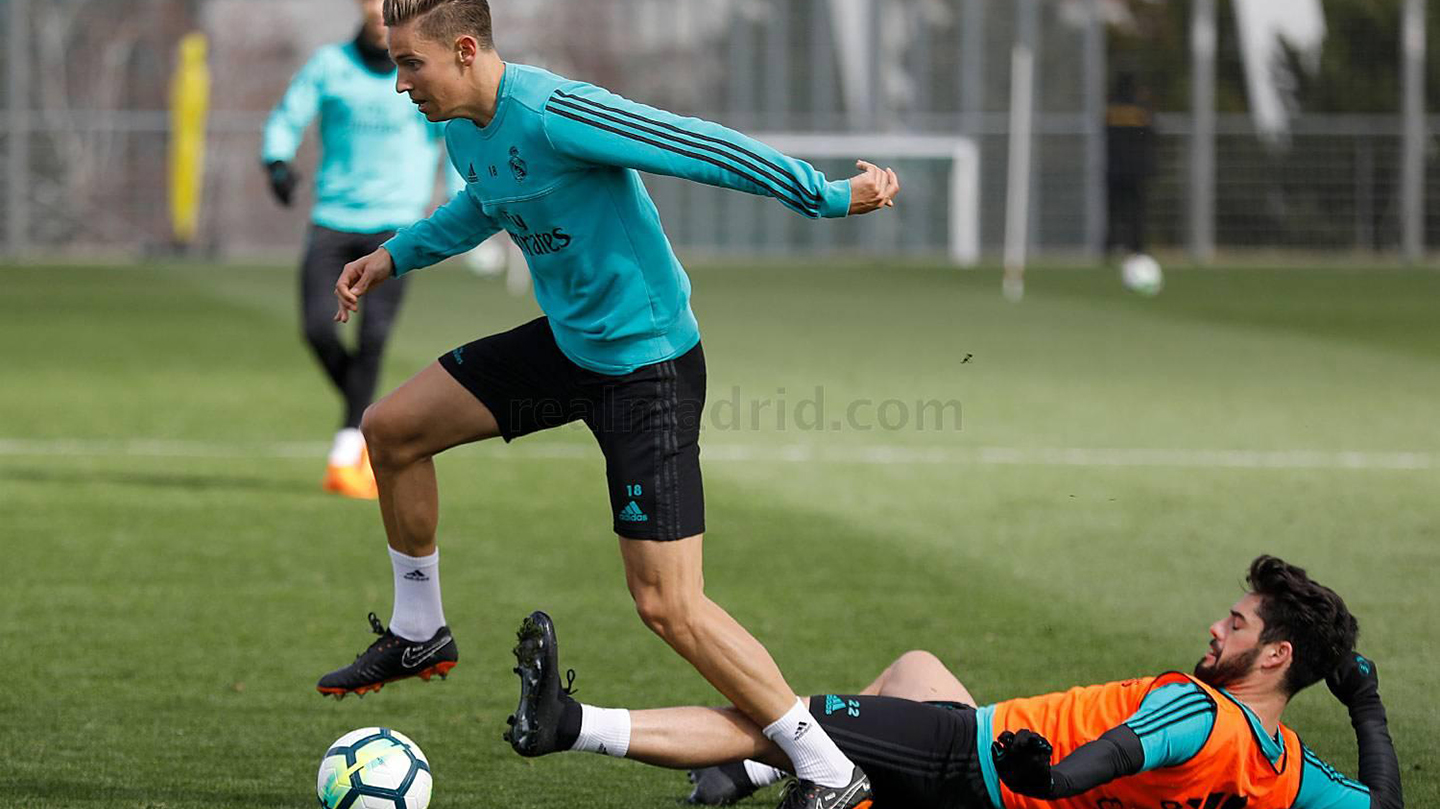 barcelona-real-madrid-stars-try-out-all-new-nike-ftr10-boots-12