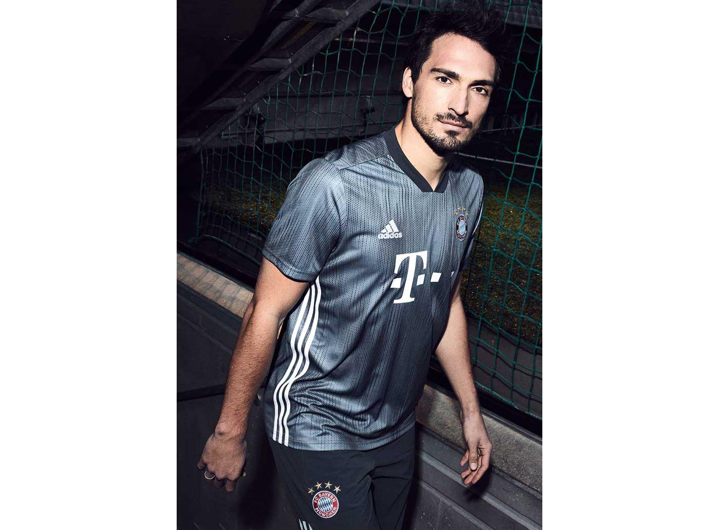 4-bayern-third-shirt-18-19-min