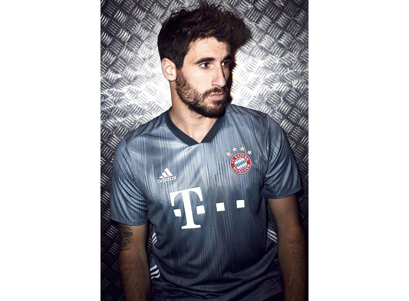 5-bayern-third-shirt-18-19-min
