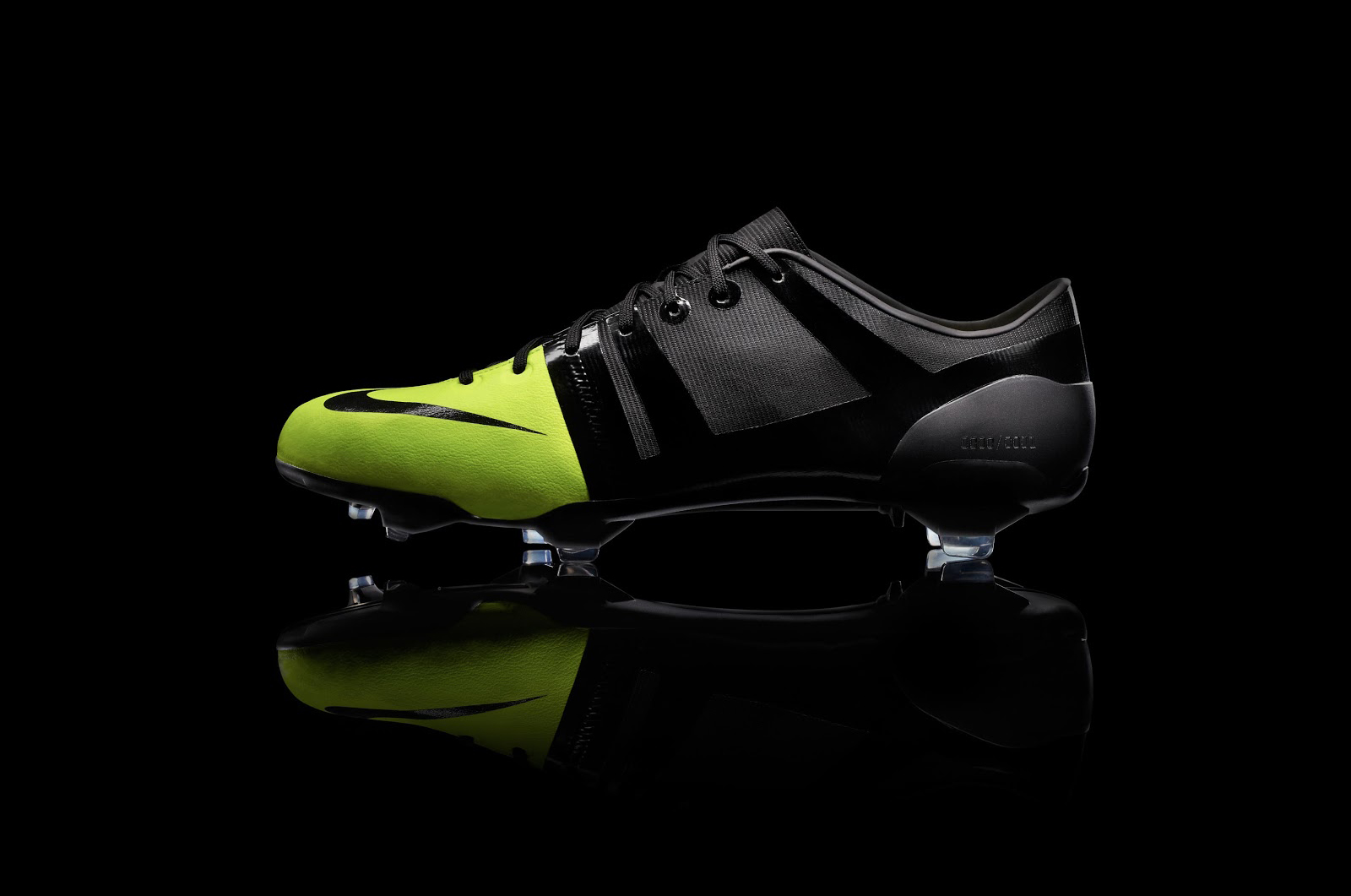 remake-boots-leaked-nike-gs-2012-football-boots-closer-look (4)