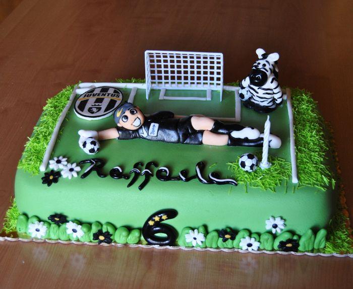 Ecco la torta di compleanno della Juventus
