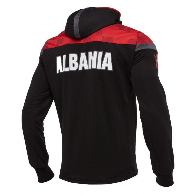 I nuovi kit Macron dell'Albania