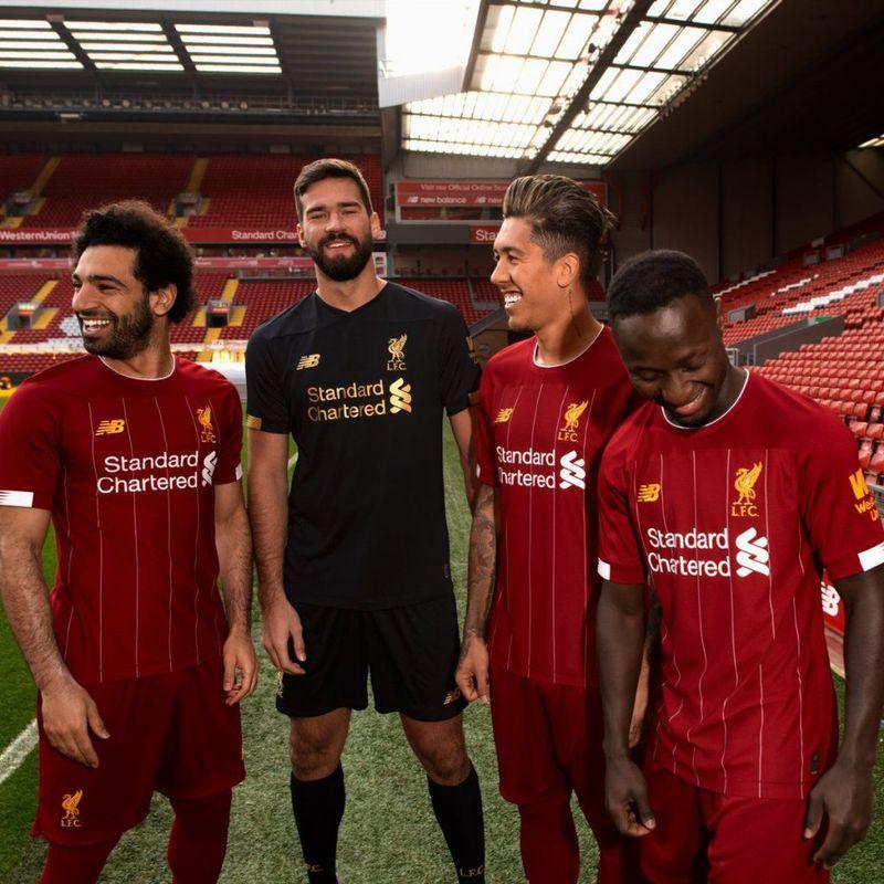 Il Liverpool presenta il nuovo kit 2019/20