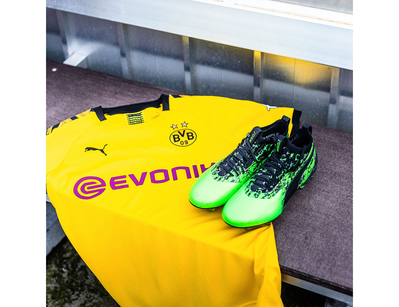 PUMA-BVB-201920-Home-Kit_05-cop
