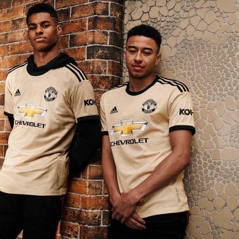 Il nuovo kit pitonato del Manchester United