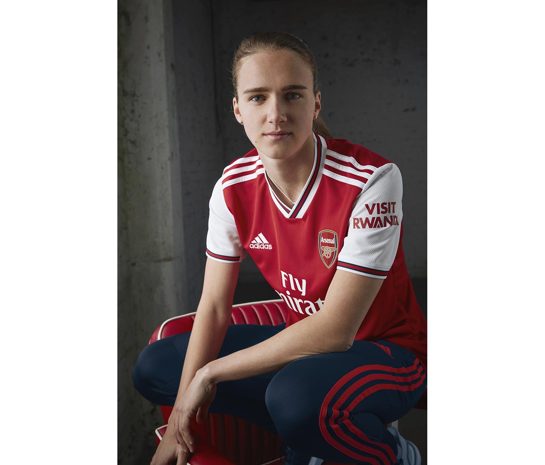 adidas-arsenal-home-kit-premier-league-2019-2020-official-look-05