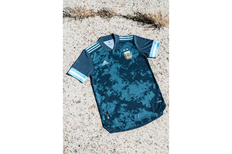 2-argentina-2020-away-shirt-min