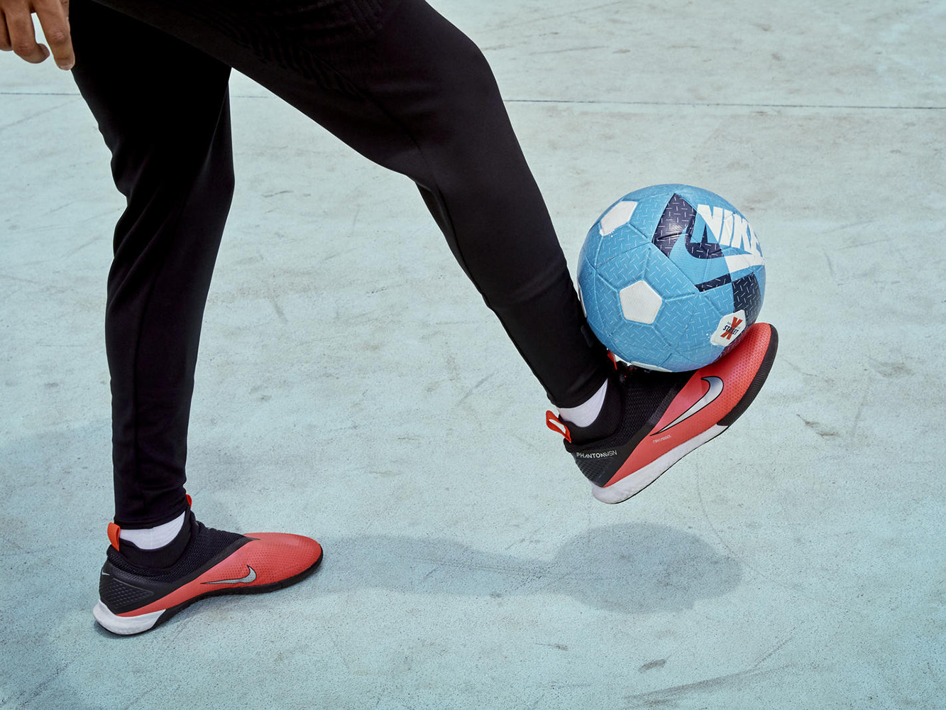 Nike_Football_PhantomVSN2_IC_93365
